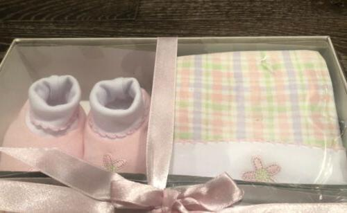NWT GIRL GIFT HAT, BOOTIES, COVER 3/6 MONTHS